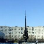 Площадь Корабелов. Мир и труд.