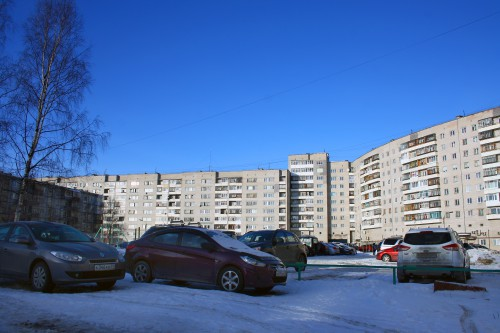 двор ул. Ломоносова 85