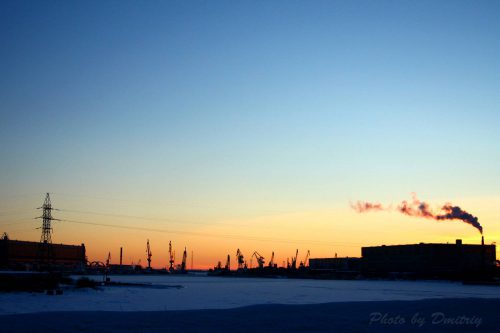 Вечерняя заводская панорама. Севмаш и Звездочка