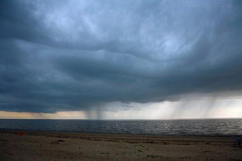 Дождь над белым морем
