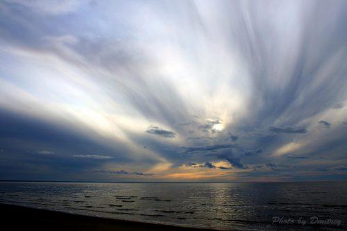 Закат в облаках над белым морем. О.Ягры